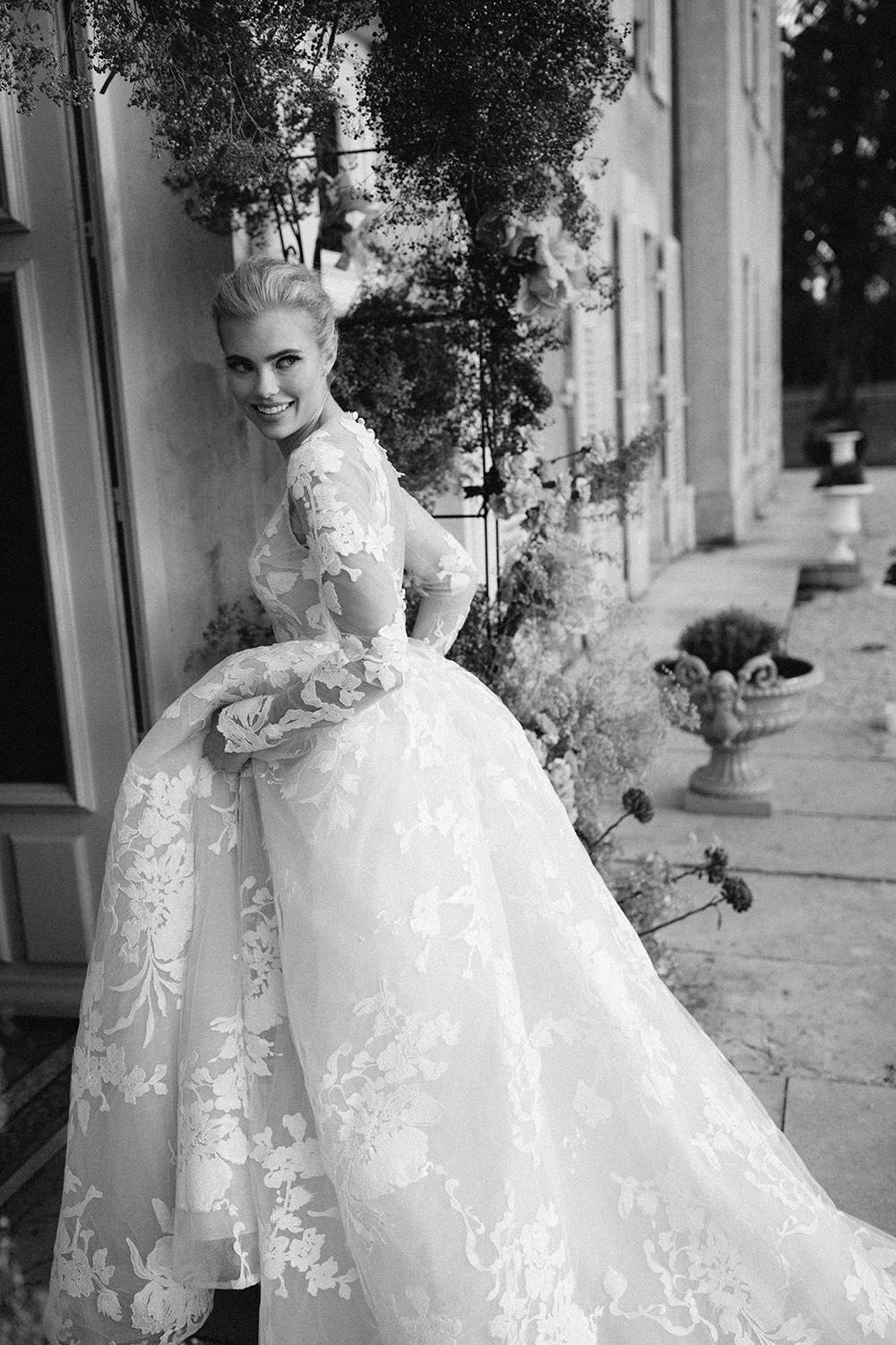 vogue bride in monique lhuillier