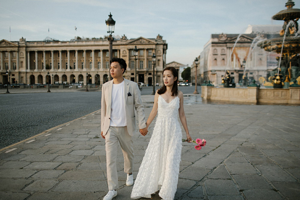 romantic and modern wedding portraits paris