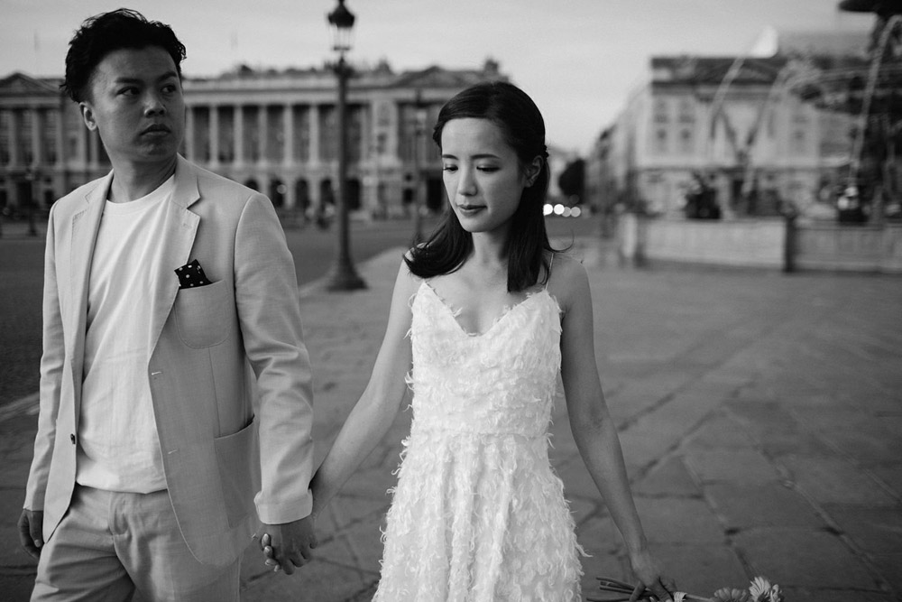 couple eloping in paris