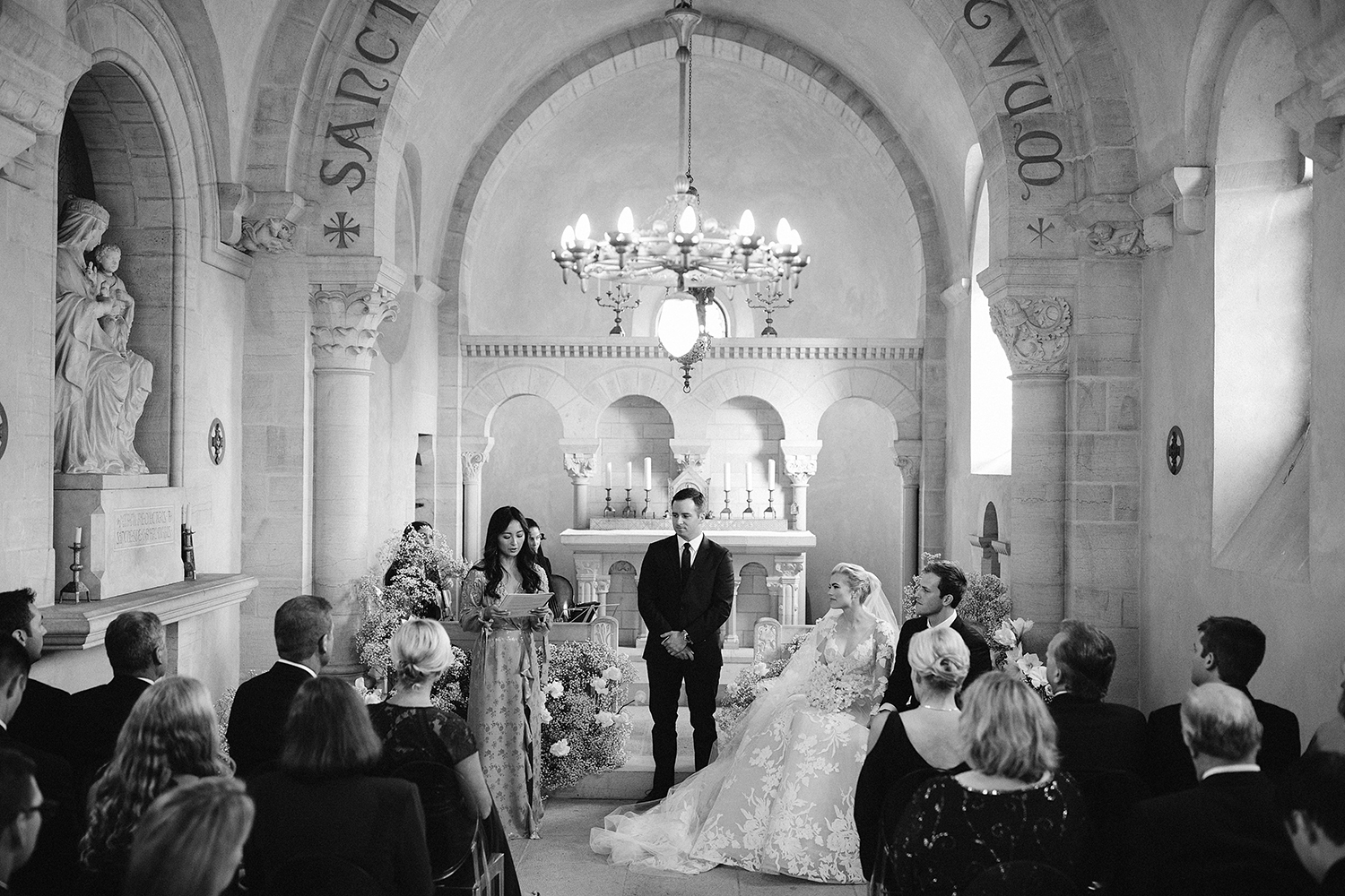 Intimate micro wedding in French Chateau